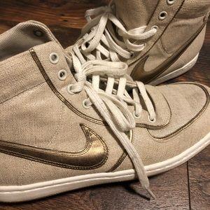 2009 Nike air sneakers